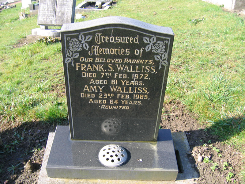 Frank & Amy Walliss M.I.